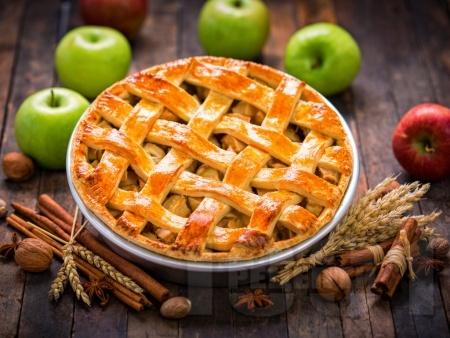 Ябълков пай с маслено тесто - класическа рецепта - снимка на рецептата